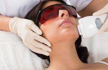 Чем отличается лазерная эпиляция волос на лице?